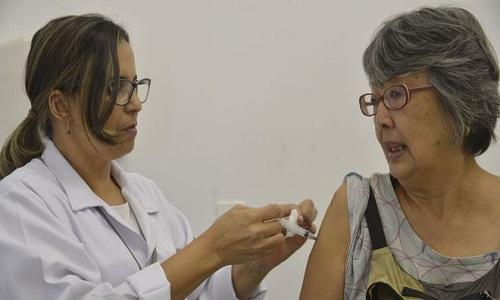 OMS prevê epidemia global e lança campanha contra pandemias de gripe.