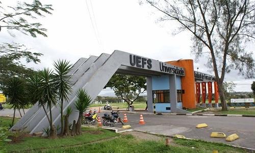 Uefs abre vagas para cursos voltados para professores da educação básica.
