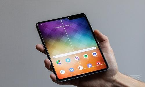 Samsung recebe relatos de problemas em tela do Galaxy Fold.