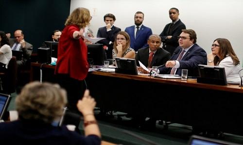 Oposição vai recorrer ao STF para anular sessão da CCJ que aprovou admissibilidade da Previdência