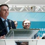 Bolsonaro diz que Exército 'respira e transpira democracia e liberdade'