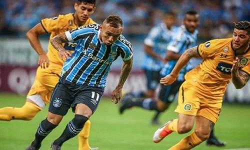 Grêmio volta ao páreo com primeira vitória na Libertadores