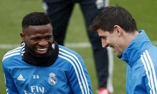 Zidane adia volta de Vinicius Junior