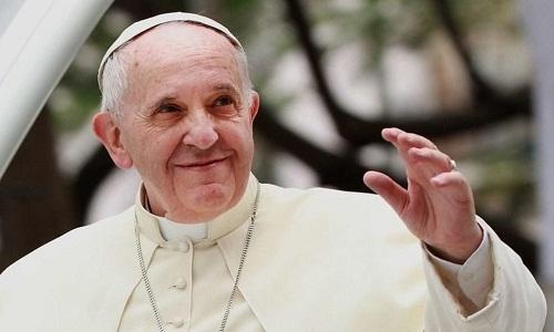 Papa faz recomendações aos jovens sobre internet, sexo e machismo