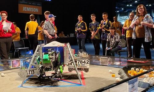 Seis equipes brasileiras ganham prêmios em campeonato mundial de robótica