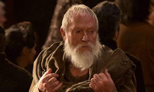 Ator pediu para morrer em 'Game of Thrones' por estar 'entediado com personagem.