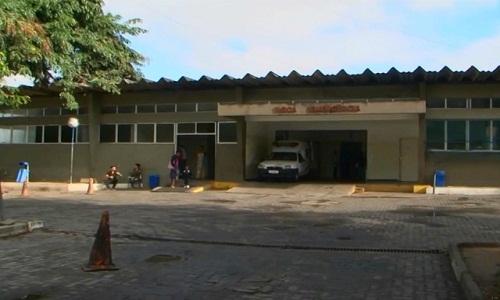 Homens encapuzados atiram contra grupo em bar em Feira de Santana