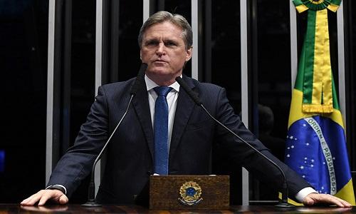 Berger prega desburocratização e pede união para superar crise