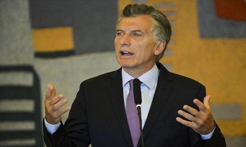 Sindicatos anunciam greve geral contra política econômica de Macri.