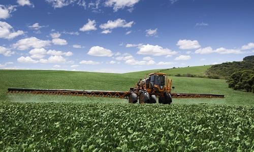 Mais precisos, pulverizadores reduzem uso de agrotóxicos