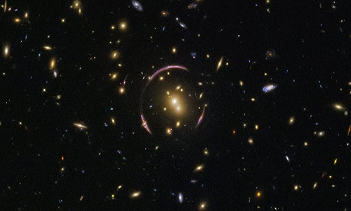 NASA detecta novas pistas sobre como galáxias antigas iluminavam Universo