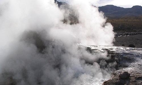Conspiracionista mostra algo muito parecido com vulcão subaquático perto dos EUA