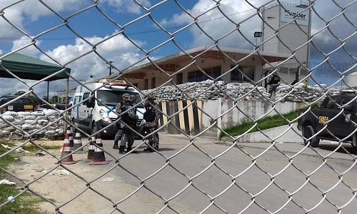 Rebelião em presídio de Manaus deixa 15 detentos mortos