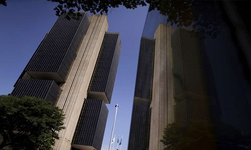 Bolsonaro sanciona sem vetos lei sobre relação financeira entre BC e União