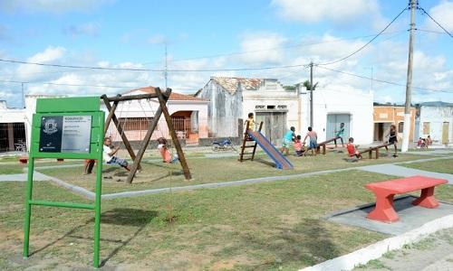 Prefeito entrega obras no distrito de Bonfim de Feira