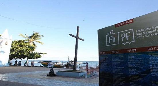 FliPF transforma Praia do Forte em novo polo literário da Bahia