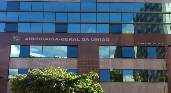 AGU confirma em documento ao STF: bloqueio das universidades é de 30%.