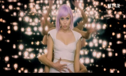 Nova temporada de 'Black Mirror' estreia dia 5 de junho e terá Miley Cyrus em seus episódios