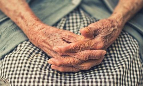 Casos de demência vão triplicar e chegar a 152 milhões de pessoas até 2050, diz OMS