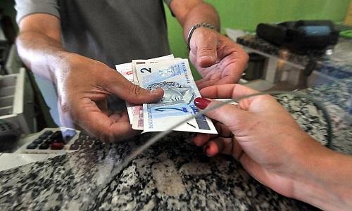Inflação para famílias com renda mais baixa fica em 0,6% em abril