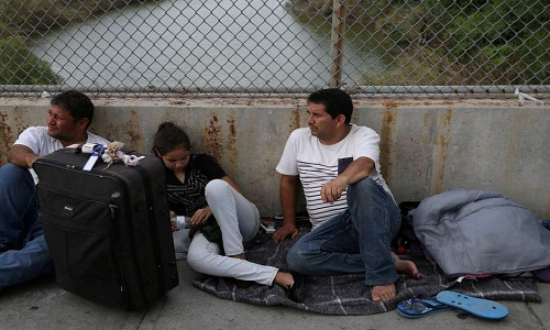 Plano dos EUA para levar refugiados para a Guatemala é ridículo, diz grupo de direitos humanos