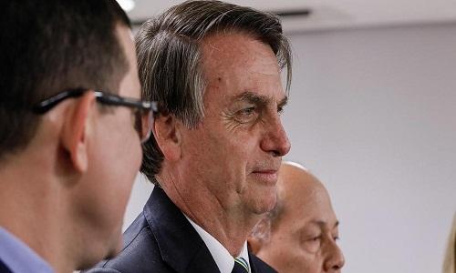 Bolsonaro veta projeto sobre criação de concursos de literatura