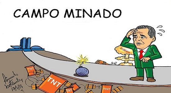 COLBERT MARTINS TRANSITA EM CAMPO MINADO