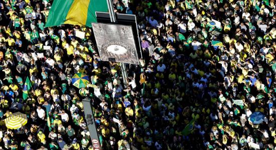 Bolsonaro deveria combater manifestações que pedem fechamento do Congresso e STF