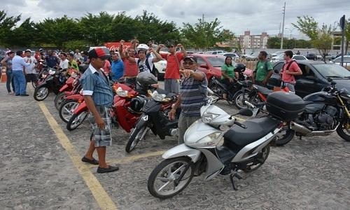 Governo suspende exigência de aulas para tirar habilitação das 'cinquentinhas'