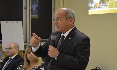 Presidente dos Correios anuncia que vai se afastar do cargo