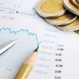 """Governo do Japão mantém avaliação """"moderada"""" sobre economia apesar dos riscos globais"""