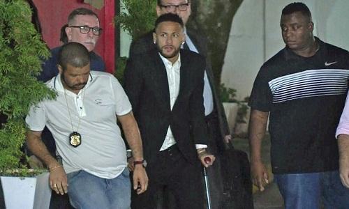Neymar diz à polícia que usou preservativo com Najila