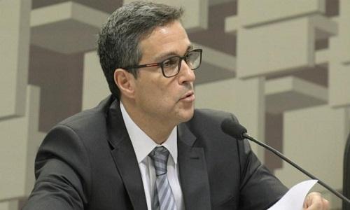 Avanço nas reformas torna cenário mais benigno para inflação, diz Campos Neto