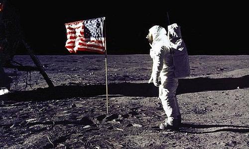 Chegada do homem à lua é homenageada em selo