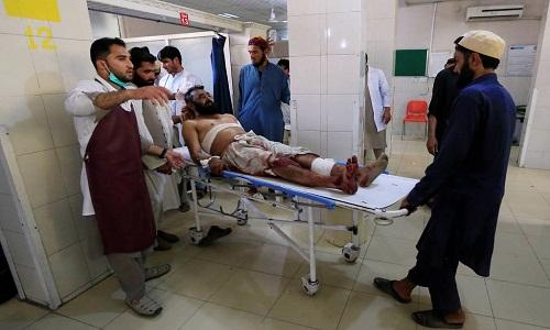 Ataque suicida realizado por menino mata ao menos 5 no Afeganistão