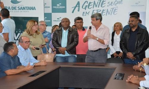 Colbert Filho entrega dez veículos que vão ser incorporados a frota de atenção básica da Secretaria de Saúde