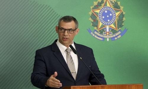 Porta-voz diz ter suporte de Bolsonaro e não comenta críticas de Carlos