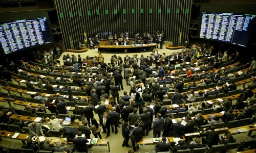 Ministro diz que liberação de emendas foi para aprovar Previdência e causa polêmica