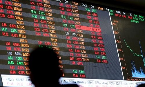 Ibovespa sobe liderado por bancos e BRF em semana de balanços