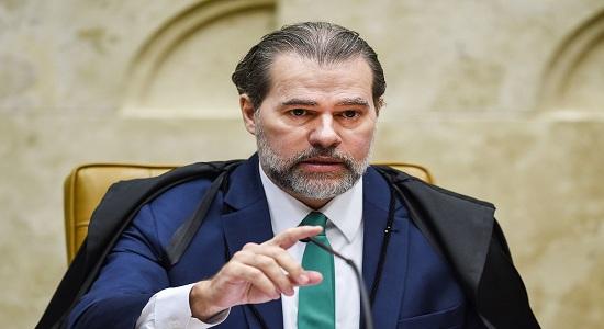Urgência de Toffoli ao analisar caso de Flávio gera dúvidas, com 42 ações pendentes no Supremo