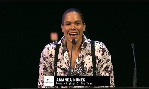 Amanda Nunes brilha e leva três prêmios no Oscar do MMA.