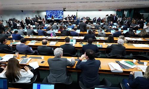 Comissão rejeita pedidos para adiar e deve votar reforma da Previdência nesta quinta-feira