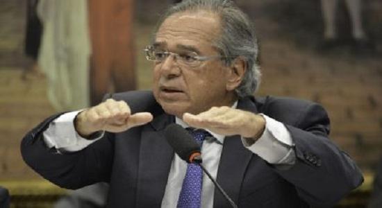 Modelo neoliberal de Guedes põe o Brasil em recessão e PIB afunda 0,8% no trimestre