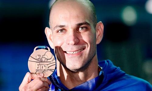Nicholas Santos bate próprio recorde como medalhista mais velho no Mundial