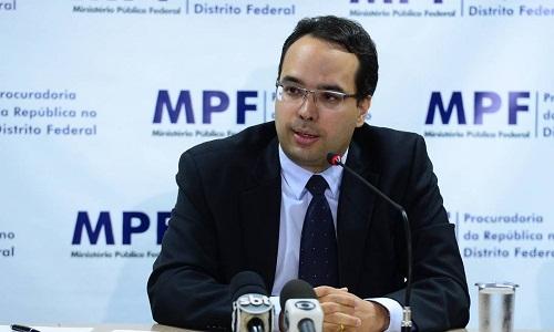 Coordenador da operação Lava-Jato na PGR deixa o cargo