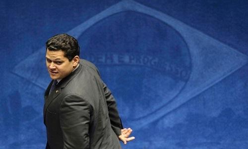 Planalto recebe alerta de insatisfação de senadores com o governo