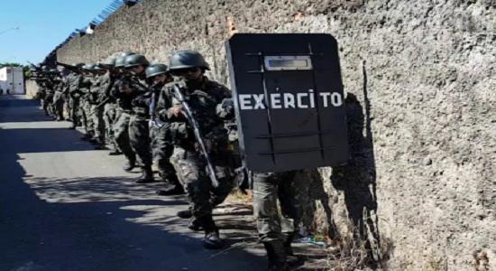 Bolsonaro diz que Exército vai trabalhar em meio expediente