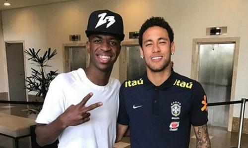 Catalães dizem que Real ofereceu Vinicius Junior por Neymar, mas madrilenhos afirmam que PSG é quem pede o jovem