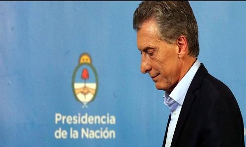 Fitch reduz nota da Argentina para CCC