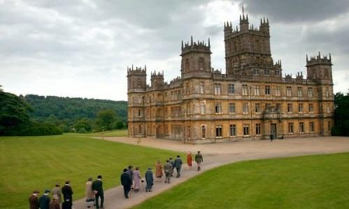 Fãs invadem castelo de 'Downton Abbey'